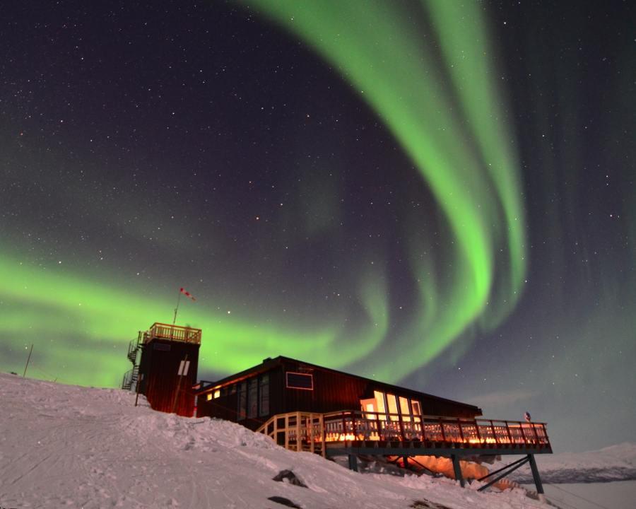 Aurora Sky Station 4